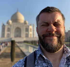 Rob Elliott in front of the Taj Mahal