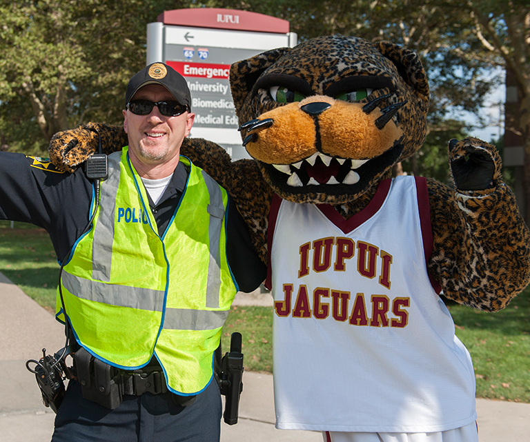 IUPUI police officer with Jaws